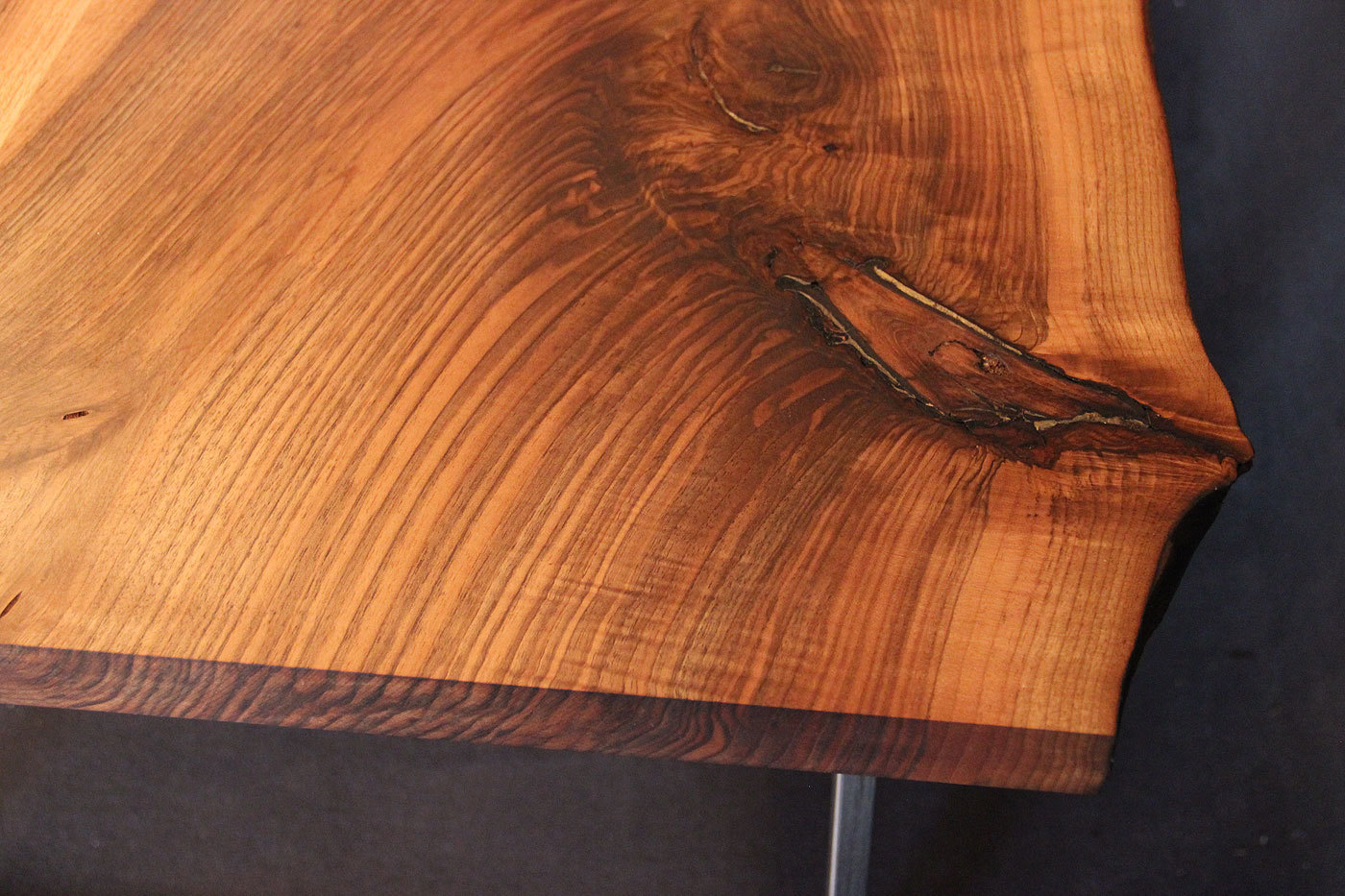 Tischplatte Massivholz Baumkante ~ Massivholz Tischplatte Nußbaum kaukasisch, gedämpft, Rustikal mit