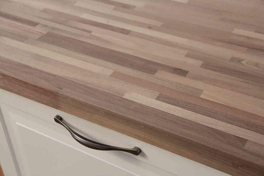 Arbeitsplatte / Küchenarbeitsplatte Nussbaum Fineline 40/4100/650